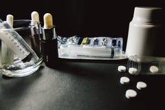 Drogas e comprimidos Imagens de Stock