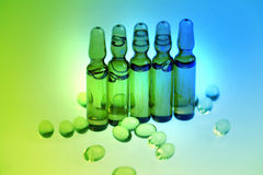 Drogas o vitaminas en frasco Imagenes de archivo