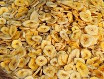 Droge banaanplakken De achtergrond van het voedsel Stock Fotografie