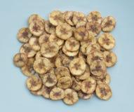 Droge banaanplakken die met suiker met een laag worden bedekt Royalty-vrije Stock Foto