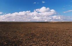 Droge Dam op een landelijk landbouwbedrijf in Australië stock fotografie