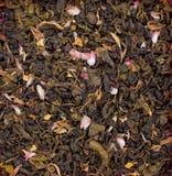 Droge kruiden voor thee, op een houten ronde plaat Vrije ruimte voor tekst Royalty-vrije Stock Foto's