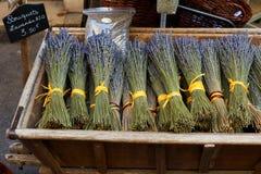 Droge lavendelboeketten in de Provence Royalty-vrije Stock Foto's