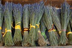 Droge lavendelboeketten in de Provence Stock Afbeeldingen