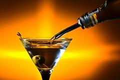 Droge martini met olijven Stock Foto