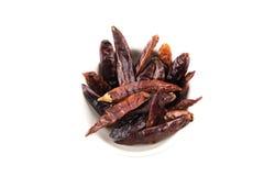 Droge rode die Spaanse peper of Spaanse peperscayennepeper op witte backg wordt geïsoleerd Stock Fotografie
