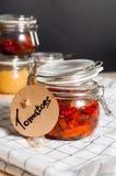 Droge tomaten in een kruik Royalty-vrije Stock Afbeeldingen