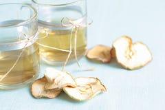 Droge vruchten compote Glaskoppen met een drank van droge vruchten, Royalty-vrije Stock Fotografie