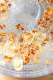 Droge wortel en uiplakken in het dehydratatietoestel Stock Afbeelding