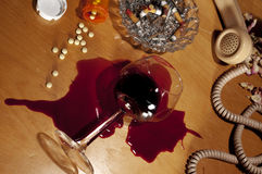 Drogen, alkoholisches Getränk, Tiefstand, Selbstmord Lizenzfreies Stockbild