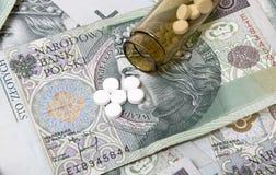 Drogen auf einem Geldhintergrund. Lizenzfreie Stockbilder