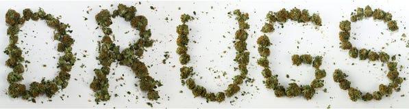 Drogen buchstabiert mit Marihuana Lizenzfreie Stockbilder