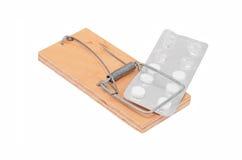 Drogenabhängigkeitkonzept - Mäusefalle und -tablette Lizenzfreie Stockbilder