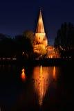 Drogenapstoren vid natt i Zutphen Holland Royaltyfri Bild