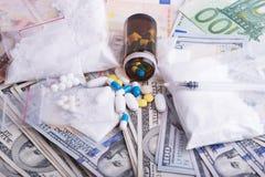 Droger och förbjudna vikter - olaglig handel Arkivfoto