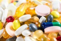 Droghe medicinali, pillole e capsule e compresse Fotografia Stock