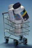 Droghe nello shoppingcart Immagine Stock Libera da Diritti