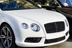Drogi biały samochód Zdjęcia Royalty Free