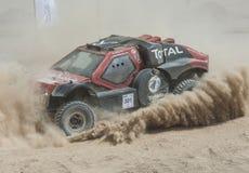 Drogi ciężarowy konkurowanie w pustynnym wiecu Fotografia Royalty Free