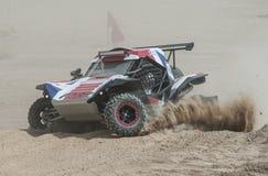 Drogi ciężarowy konkurowanie w pustynnym wiecu Obrazy Royalty Free