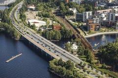Drogi i poręcza mosty w mieście Tampere zdjęcia royalty free