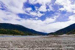 Drogowa Halna sceneria w xizang turystyki przejażdżce Zdjęcia Stock
