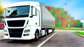 drogowa Pyrenees halna ciężarówka Spain Handlowy transport fotografia royalty free