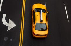 Drogowi ocechowania na asfalcie na ulicie Manhattan Obrazy Stock