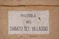Drogowy kartel wymieniający z wierszem Giacomo Leopardi Zdjęcia Stock
