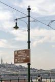 Drogowy miasto kierunkowskaz w Budapest, Węgry Obraz Royalty Free