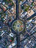 Drogowy rondo z samochodowymi udziałami w Bangkok, Tajlandia Obrazy Stock
