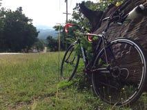 Drogowy rower przy górą Zdjęcia Royalty Free