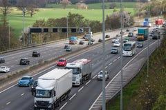 Drogowy ruch drogowy Brytyjska M25 autostrada Fotografia Royalty Free