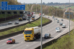 Drogowy ruch drogowy Brytyjska M25 autostrada Zdjęcia Stock