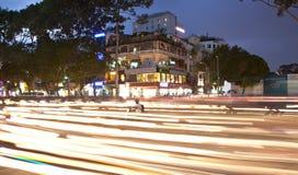 Drogowy ruch drogowy przy wieczór w Saigon, Wietnam Zdjęcie Stock