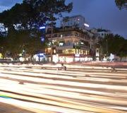 Drogowy ruch drogowy przy wieczór w Saigon, Wietnam Fotografia Stock