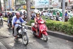 Drogowy ruch drogowy w Saigon Obrazy Stock