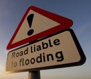 Drogowy znak na wiejskiej drodze w Szczytowym Gromadzkim parku narodowym, UK Zdjęcie Stock