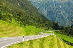 Drogowy zwrot w górach Fotografia Royalty Free