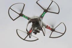 Drohnenfliegen des neuen Zeitalters oben lizenzfreie stockfotografie