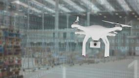 Drohnenfliegen in einem Lager
