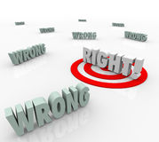 Droit contre des mots faux de cible choisissez le choix de réponse correcte Photos libres de droits