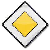 Droit de passage du trafic un rendement en avant Photo stock