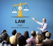 Droites de jugement de loi pesant le concept juridique photographie stock