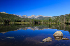 Dromerige reflex in Sprague Lake royalty-vrije stock foto's