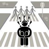 Dromophobia O homem está receoso cruzar a rua O indivíduo que senta-se na tira pedestre Os povos cruzam a estrada Homem de Afraid ilustração do vetor