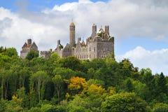 Dromore Schloss auf dem Hügel Stockbild