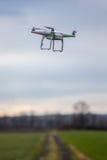 Dron летая свободно стоковая фотография