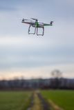 Dron che vola liberamente Fotografia Stock