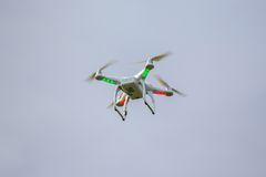 Dron flying free Royalty Free Stock Images